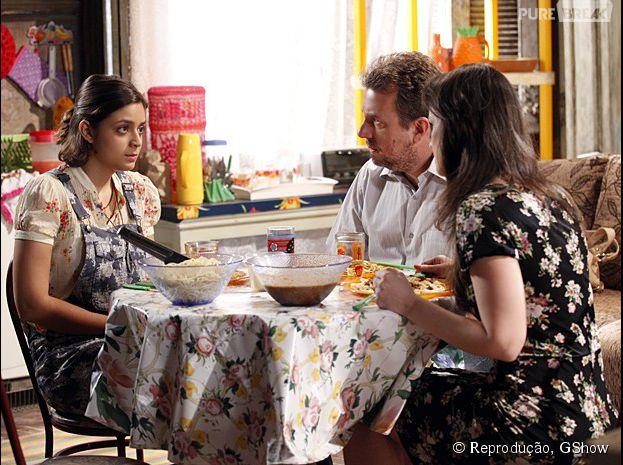 """Mari (Maria Luiza) abre o jogo para os pais sobre sua gravidez, em """"Malhação"""""""