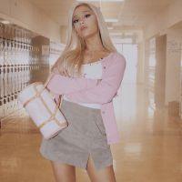 """Ariana Grande posta o primeiro teaser de """"thank u, next"""" e nós estamos pirando com as referências!"""