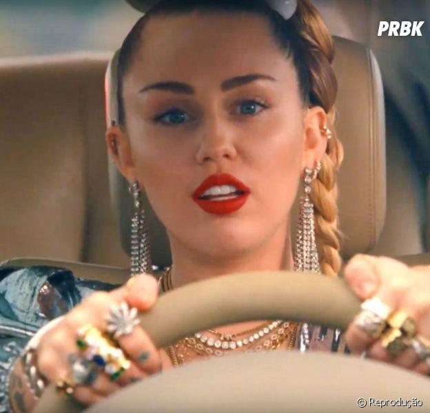 Miley Cyrus revela que irá lançar músicas novas em 2019