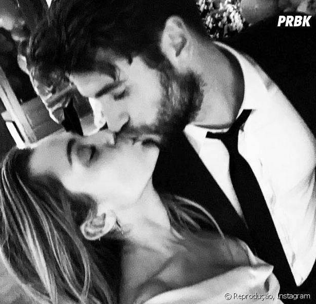 Miley Cyrus e Liam Hemsworth mostram fotos da cerimônia de casamento