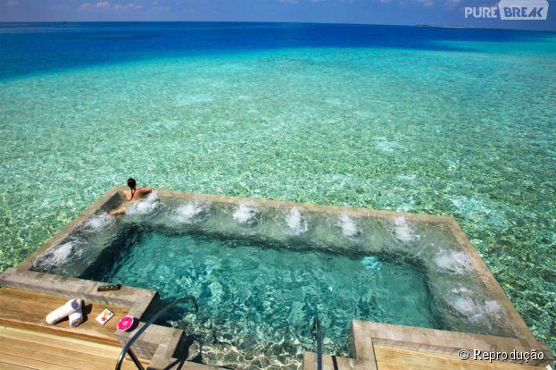 Da até pra confundir a piscina com o mar