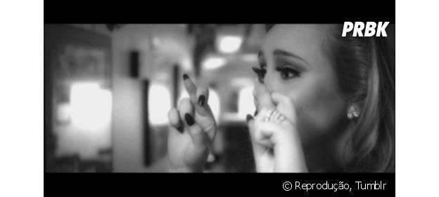 Adele adia lançamento de novo álbum, segundo produtora