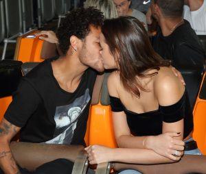 Bruna Marquezine e Neymar Jr. não pretendem voltar a namorar, diz atriz