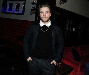 """Em """"American Horror Story"""", Gus Kenworthy será o namorado de Emma Roberts na 9ª temporada"""