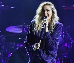 Grammy 2019: Miley Cyrus se apresentará com Mark Ronson e na homenagem a Dolly Parton