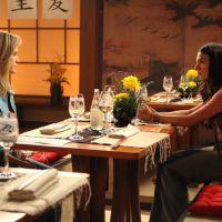 """Na novela """"Boogie Oogie"""": Sandra e Vitória ficam cara a cara e fazem planos"""