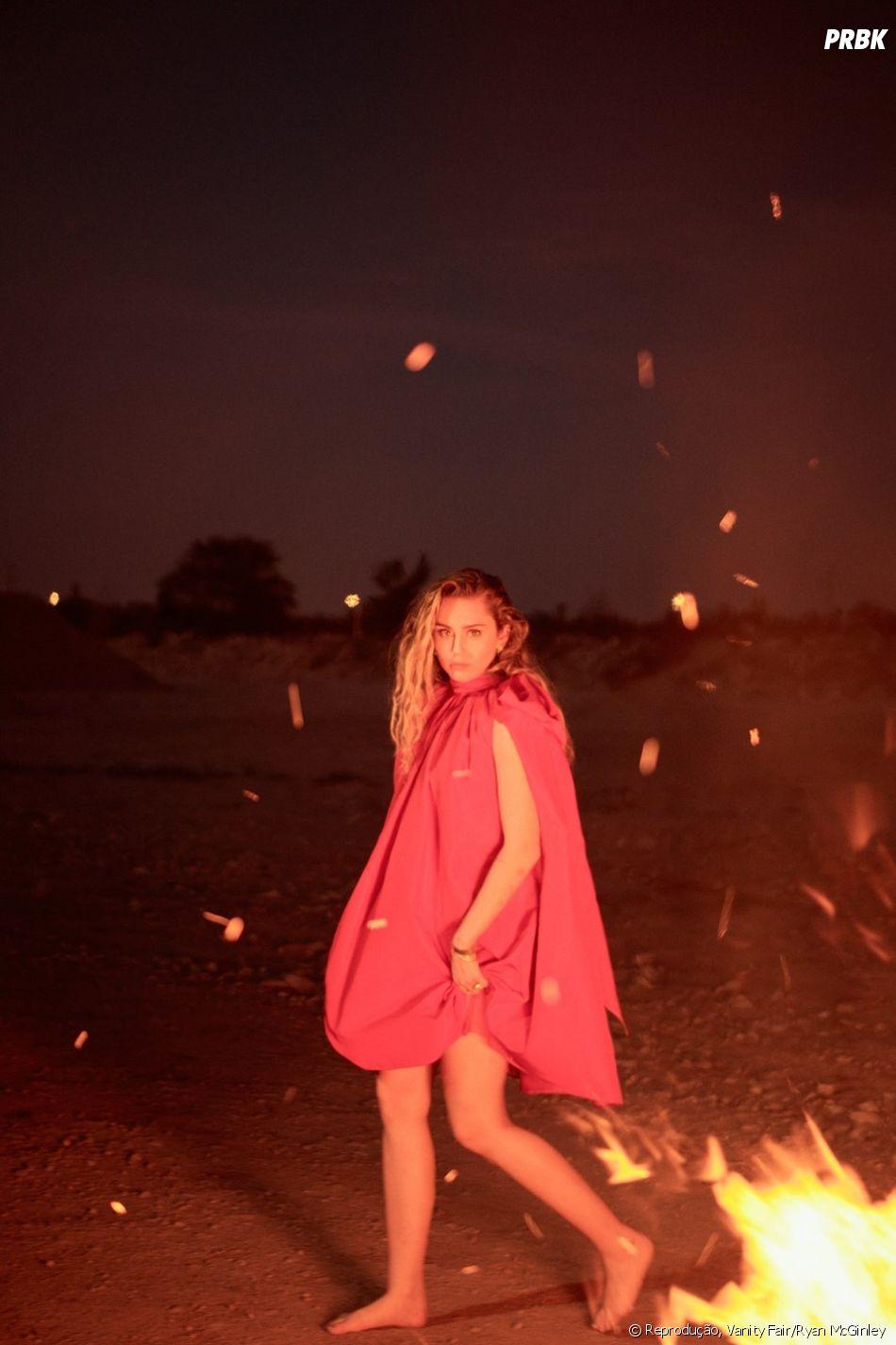 Miley Cyrus está muito maravilhosa nas fotos da Vanity Fair