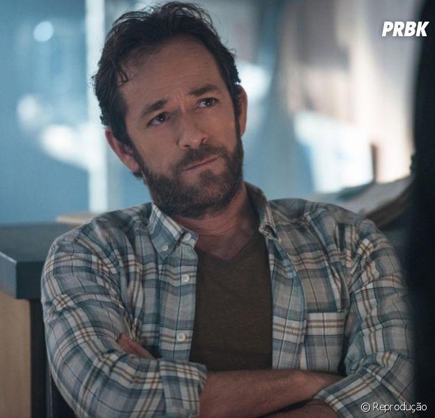 """De """"Riverdale"""", Cole Sprouse explica como a série irá lidar com a morte de Luke Perry"""