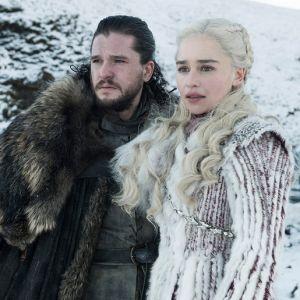 """Cabelos sujos, comidas nojentas e mais perrengues que o elenco de """"Game Of Thrones"""" passou"""