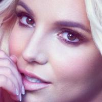 """Britney Spears lança o single """"Perfume"""". Na batalha das divas, relembre as baladas de sucesso em 2013!"""
