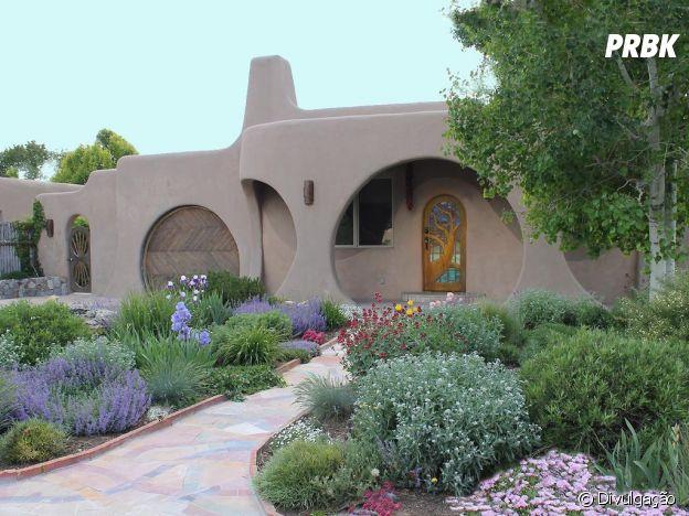 """Esta casa tem parte de sua arquitetura inspirada nas """"tocas"""" de """"O Hobbit"""""""