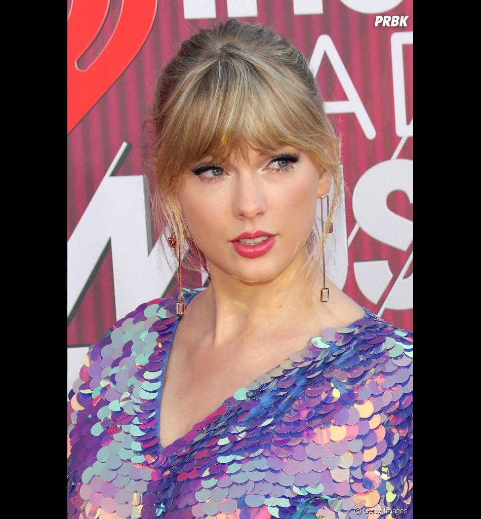 Taylor Swift promete novidade para o dia 26 de abril