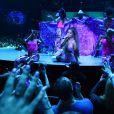 """""""Sweetener World Tour"""": Ariana Grande sabe se comportar em cima de um palco, não acham?"""