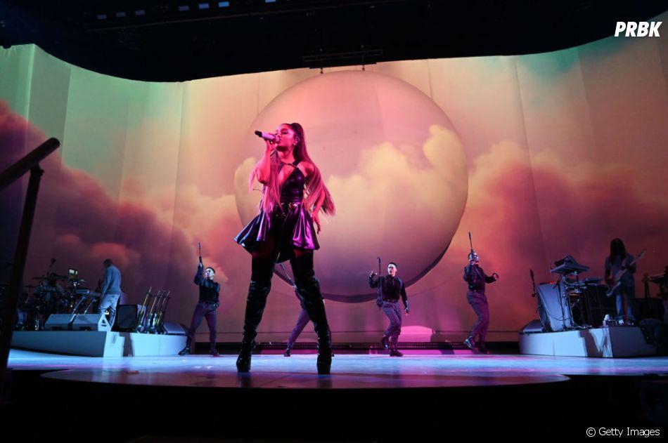 """""""Sweetener World Tour"""": Ariana Grande é sempre muito fofa"""
