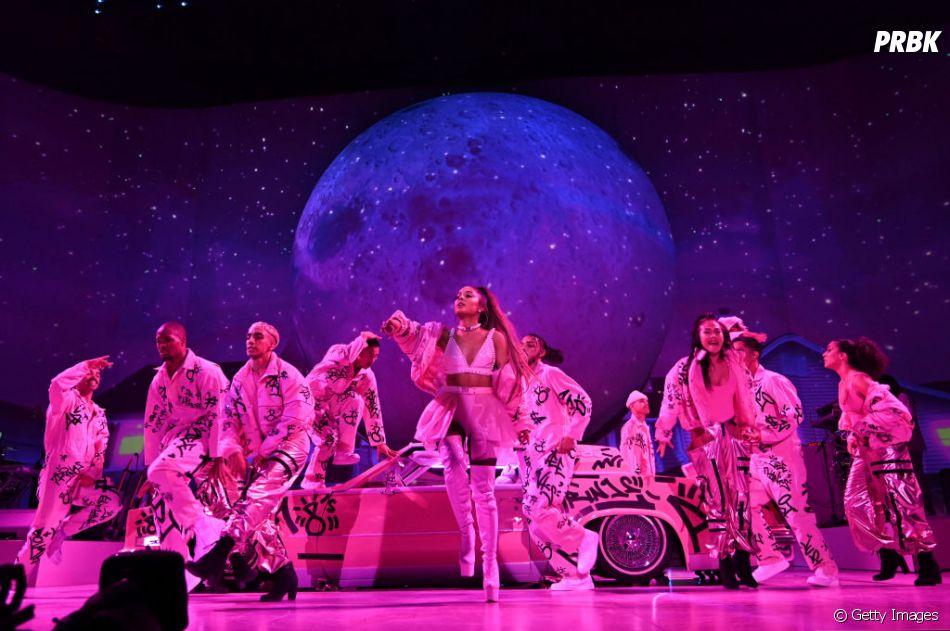 """""""Sweetener World Tour"""": se a Ariana Grande tivesse o seu próprio planeta, ele seria mais ou menos assim..."""
