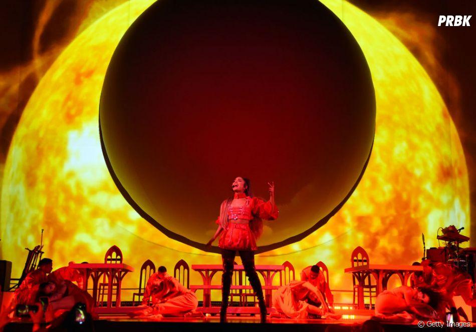 """Sweetener World Tour"": Ariana Grande é o Sol!"