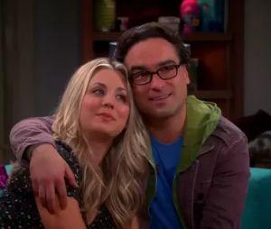 """""""The Big Bang Theory"""": Kaley Cuoco chorou muito depois de ler o último roteiro da série. O que será que vai acontecer com Penny e Leonard (Johnny Galecki)?"""