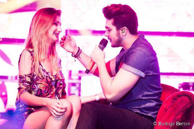 Luan Santana pode ter algo a mais com a suposta fã que beijou no palco no último showem São Gonçalo, no Rio de Janeiro