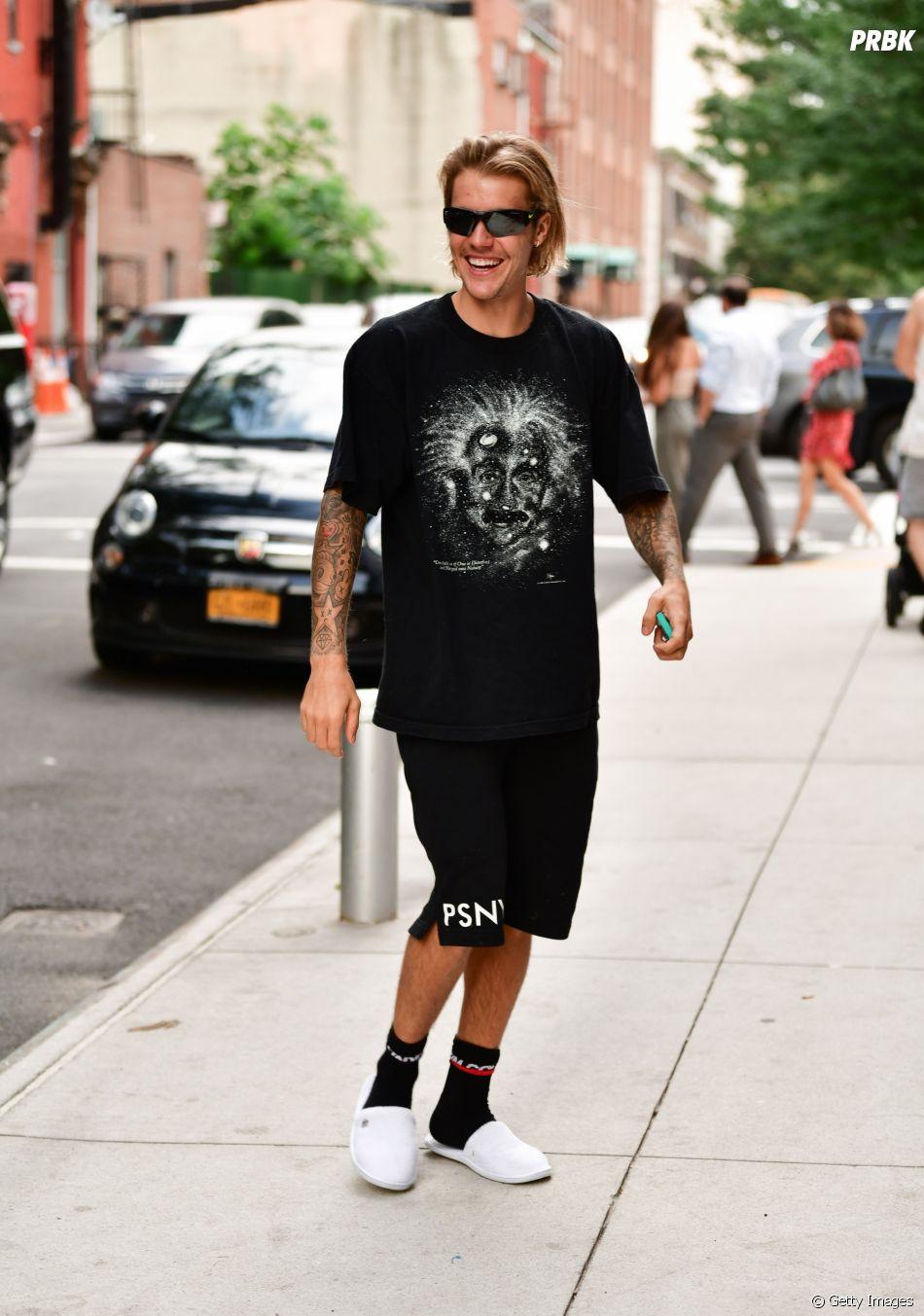 Justin Bieber volta a se envolver em projetos após tempo afastado dos holofotes