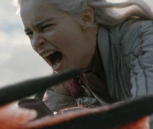 """Em """"Game of Thrones"""", Daenerys (Emilia Clarke) está ficando louca? Roteiristas falam sobre a personagem"""