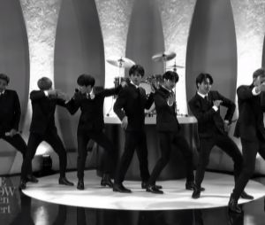 """BTS no """"The Late Show With Stephen Colbert"""": grupo coreano faz homenagem aos Beatles com apresentação"""