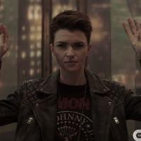 """""""Batwoman"""" invade Batcaverna e luta contra inimigos no primeiro trailer oficial da série"""