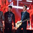 """Happiness Begins"": Jonas Brothers divulgam tracklist do novo álbum"