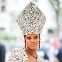 Existe a possibilidade da Rihanna ser Deus e vamos te provar isso