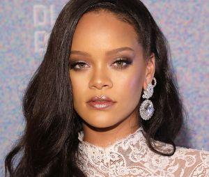 A teoria que diz que Rihanna é deus tá pegando a gente de jeito