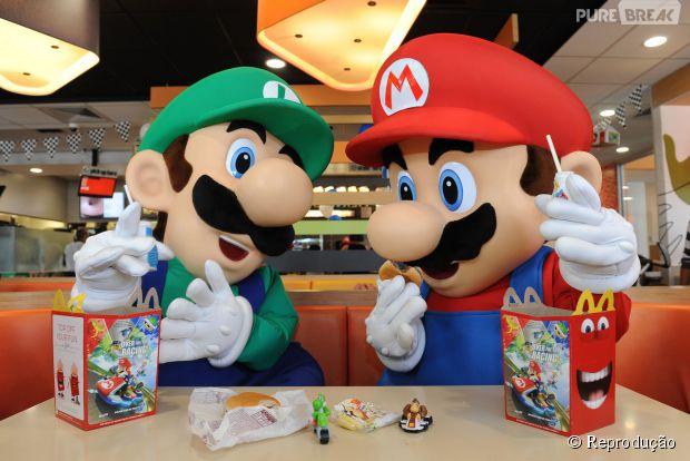 """Os lanches do Mc Donalds vão distribuir personagens da franquia """"Mario Bros"""""""
