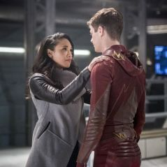 "Grant Gustin, da série ""The Flash"", defende Candice Patton após comentários racistas"