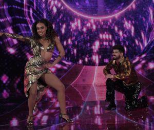 """No """"Dança dos Famosos"""", Dandara Mariana deu um show e alcançou o topo da competição"""