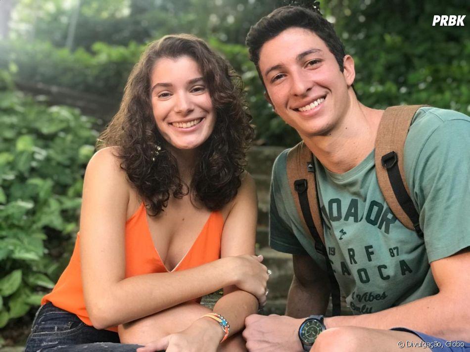 """Em """"Malhação"""": Meg (Giulia Bertolli) conta para Beto (John Buckley) que está grávida"""