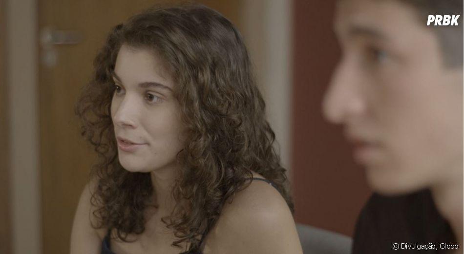 """Meg (Giulia Bertolli) está grávida mas não sabe se bebê é de Beto (John Buckley) ou de Guga (Pedro Alves)""""Malhação"""""""