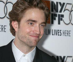 Robert Pattinson revela emoção de vestir uniforme do Batman pela 1ª vez