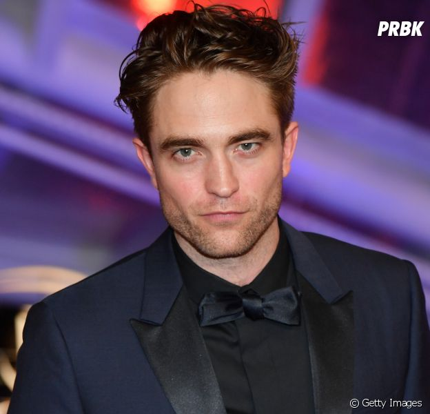 """The Batman"": Robert Pattinson veste uniforme do herói pela 1ª vez!"