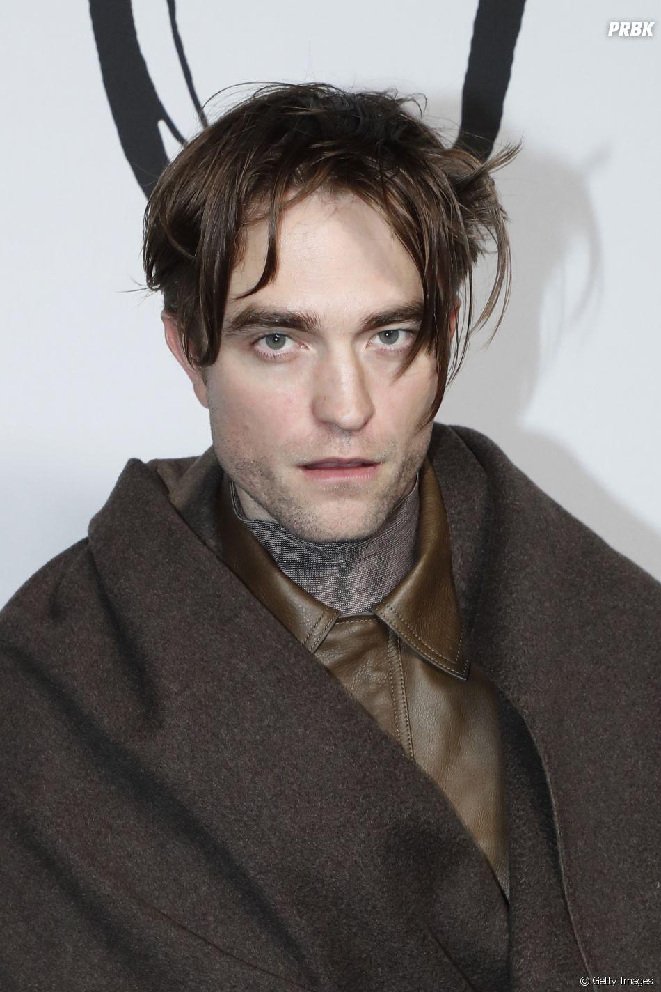 """The Batman"": Robert Pattinson conta momento inconveniente para vestir uniforme do herói"