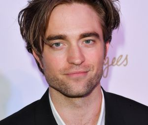 """De """"The Batman"""", Robert Pattinson diz que se sentiu poderoso ao vestir uniforme do herói"""