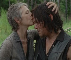 """Carol (Melissa McBride) e Daryl (Norman Reedus) vão fugir em """"The Walking Dead""""? Conversa levanta suspeitas"""