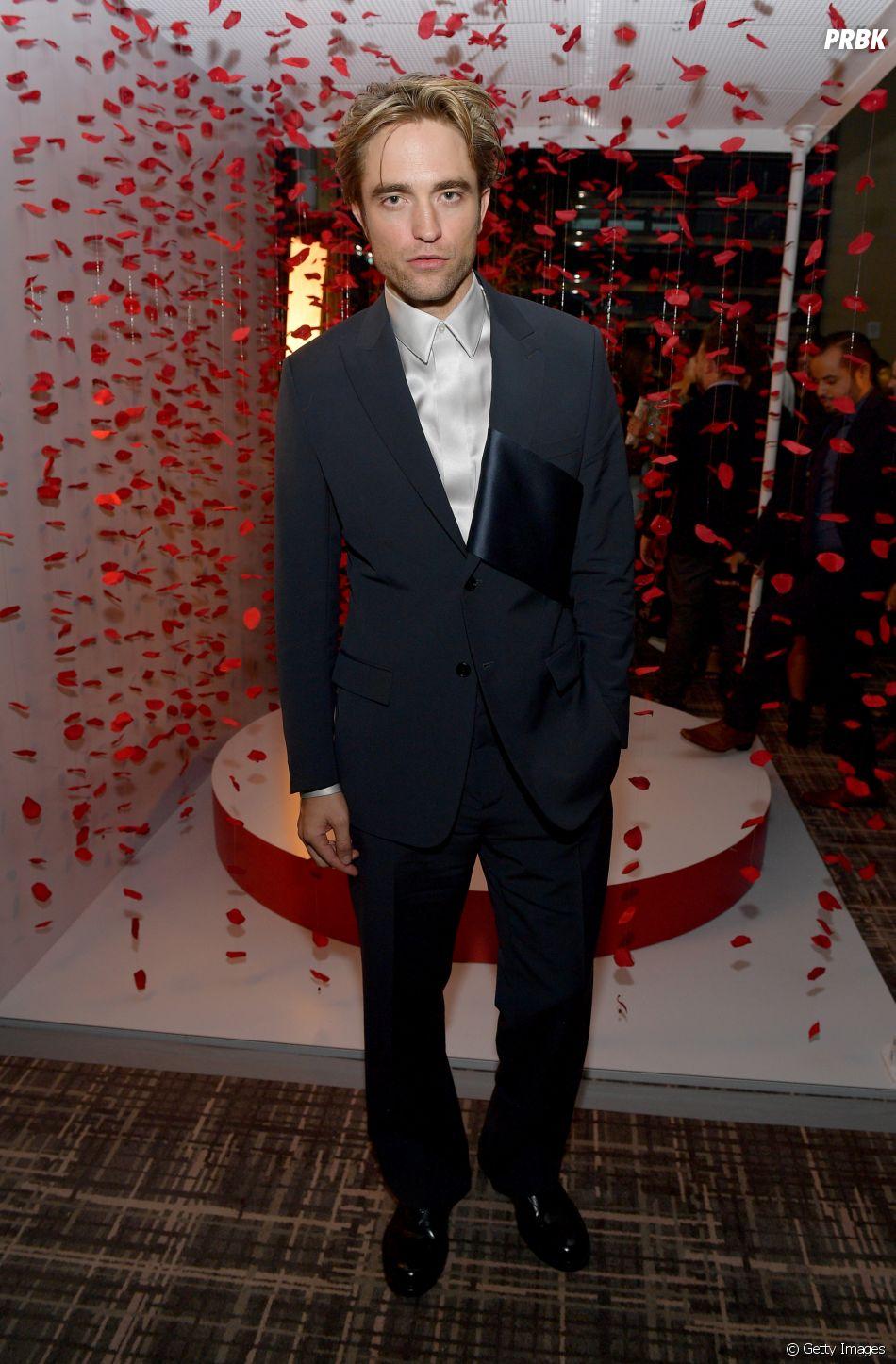 """""""The Batman"""", com Robert Pattinson, já está em produção e deve chegar aos cinemas em 2021"""