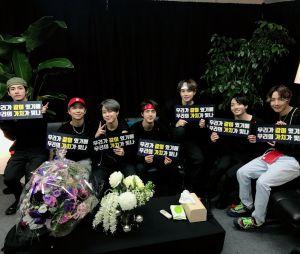 """Fique muito soft com os melhores momentos do último show do BTS na """"LOVE YOURSELF: SPEAK YOURSELF"""""""