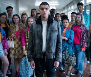 """Sex Education"": na 2ª temporada,Sami Outalbali é o francês Rahim, novo aluno doMoordale Secondary"
