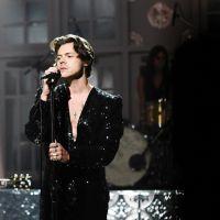 """ARTISTA! Harry Styles lança trailer de seu novo clipe, """"Adore You"""", e surpreende com conceito"""