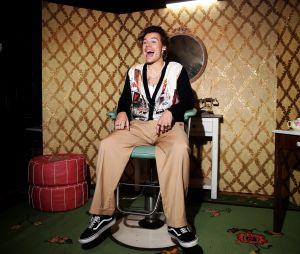 Harry Styles arrancou risadas de Ellen DeGeneres quando assumiu que malhava ouvindo One Direction