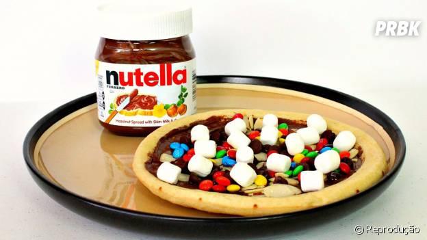 Pizza de Nutella com marshmallows