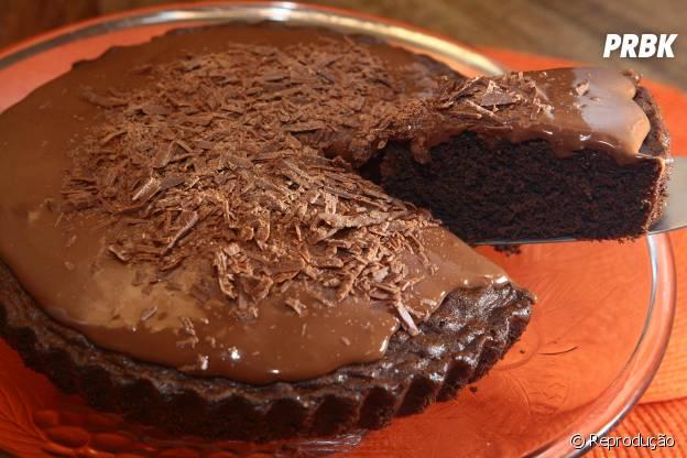 Torta com recheio e cobertura de Nutella