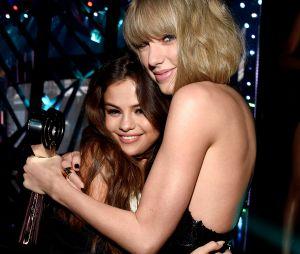 """Taylor Swift e Selena Gomez: porque não apareceu mais sobre a amizade das duas no """"Miss Americana""""?"""