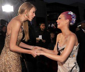 """Taylor Swift e Katy Perry: como foi a reconciliação das duas? Queríamos ter visto isso no """"Miss Americana"""""""