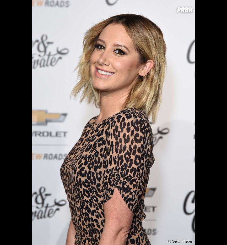 """Ashley Tisdale usa """"High School Musical"""" para alertar fãs sobre coronavírus"""