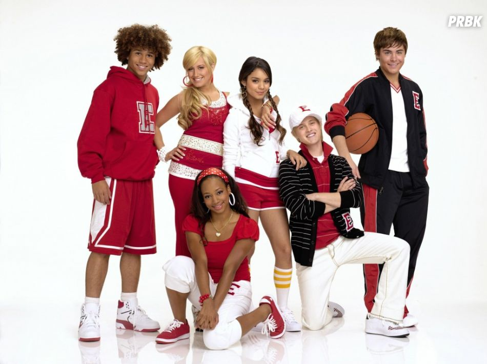 """Ashley Tisdale aparece dançando hit do """"High School Musical"""" e deixa todo mundo nostálgico"""